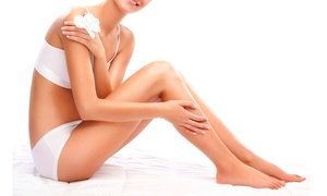 MARINA ROMANO: 3 o 5 cerette total body e una seduta di smalto semipermanente su mani o piedi (sconto fino a 84%)
