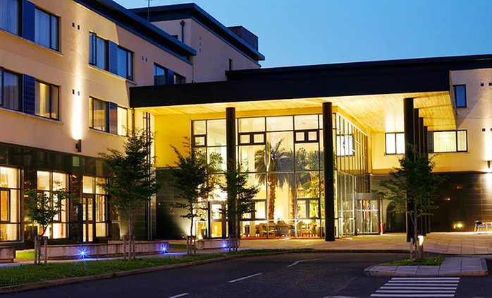 Co. Donegal: 1 or 2 Nights for Two with Breakfast, Dinner Credit and Late Check-Out at Radisson Blu Hotel Letterkenny