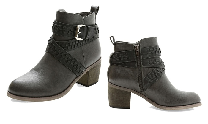 5641ece9289f Women s Ankle Boots with Straps