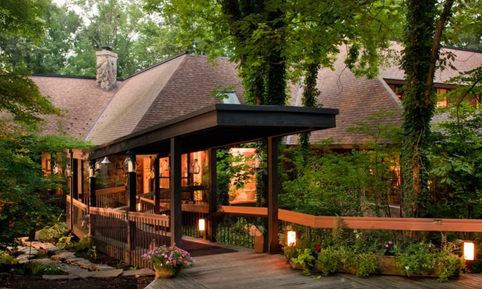 The Inn at Honey Run - Millersburg, OH: Stay with Dining Credit at The Inn at Honey Run in Millersburg, OH. Dates into March.