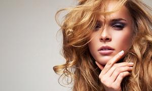 Elegancia: Shampoing, soin, coupe transformation et brushing, option couleur dès 19 € au salon Élegancia