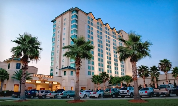 Hollywood Casino Bay St. Louis - New Orleans East: Two-Night Stay with a Buffet Meal or a Round of Golf at Hollywood Casino Bay St. Louis in Bay St. Louis, MS