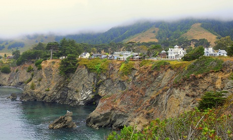 Romantic Inn Overlooking Rugged Pacific Coast