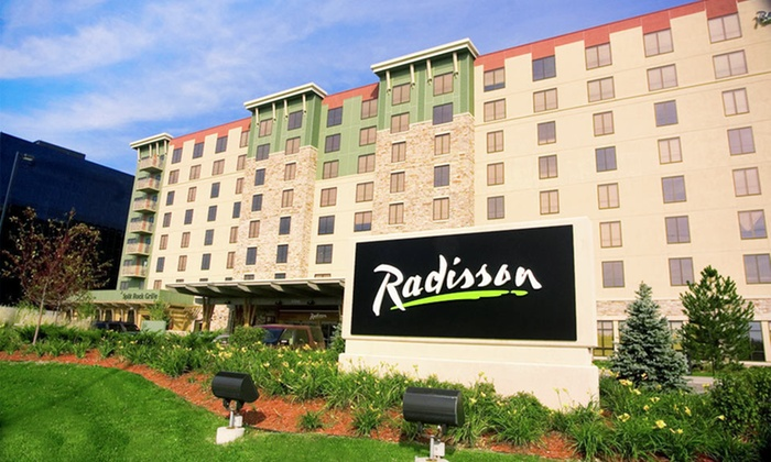 Radisson Bloomington by Mall of America - Bloomington, MN: One-Night Stay with Optional Water-Park Passes at Radisson Bloomington by Mall of America in Bloomington, MN