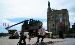La forteresse de Montbazon: Visite nocturne de la forteresse de Montbazon pour 1, 2, 4 ou 6 personnes dès 7,50 € à La forteresse de Montbazon