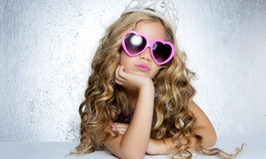 Diva Girlz Studio: $11 for a One-Hour Open-Play Pass with Makeup and Costumes at Diva Girlz Studio ($20 Value)