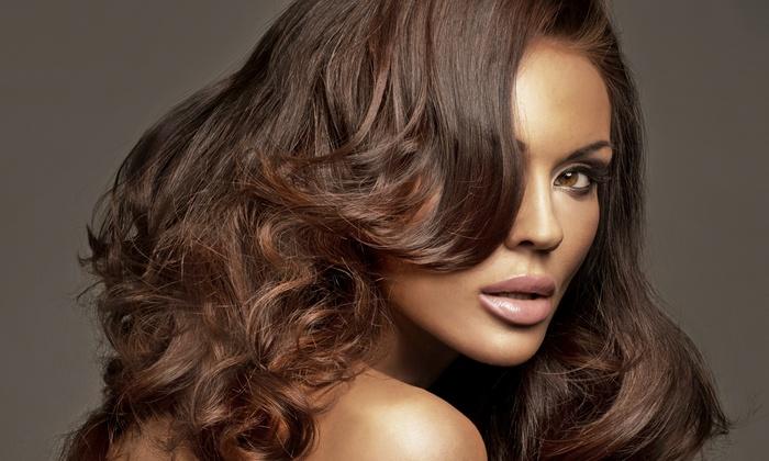 Stilistica Di Longo Andrea - Trieste: 3 o 6 sedute di bellezza per capelli più uno o 2 tagli da 19,95 €