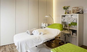 VitaStyle: Soin visage et thérapie LED au choix avec un masque au collagène et un massage des mains chez VitaSyle à Bruges