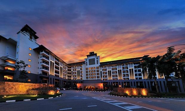 JB: 5* Resort Stay + Spa Retreat 8