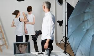 ARTSTUDIO 54: Shooting fotografico con scatti illimitati, cambi d'abito e trucco professionale da Artstudio 54 (sconto fino a 98%)