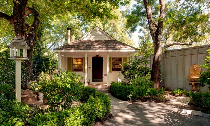 cottage grove inn in calistoga ca groupon getaways. Black Bedroom Furniture Sets. Home Design Ideas