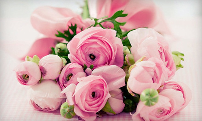 Las Rosas - Como: Flower Arrangements or Wedding Flowers from Las Rosas (Up to 56% Off). Four Options Available.