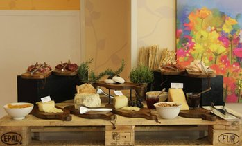 Breakfast, Lunch or Themed Night Buffet