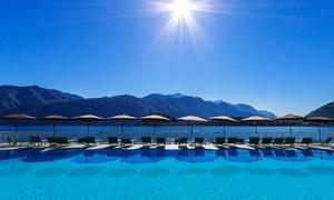 Infinity Pool: Infinity Pool - Ingresso alla piscina galleggiante e apericena in terrazza sul Lago di Como (sconto fino a 65%)