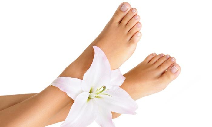 Esteticenter - Lublin: Laserowe leczenie grzybicy paznokci (od 49 zł), skóry dłoni luby stóp (199 zł) w Esteticenter (do -66%)
