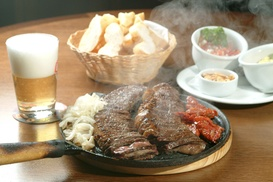 The Mash Tun: 7oz Flat Iron Steak Meal and Wine for Two or Four at The Mash Tun
