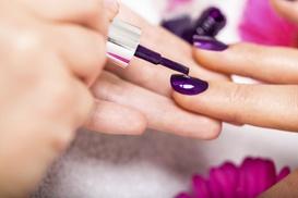 Anne BY Dana: Pose de vernis semi permanent, gel sur ongles naturels ou sur capsules dès 14,90 € à l'institut Anne BY Dana
