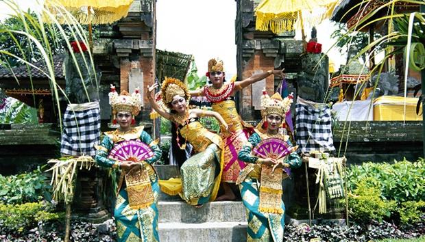 Bali: 4* Private Pool + Flights 10