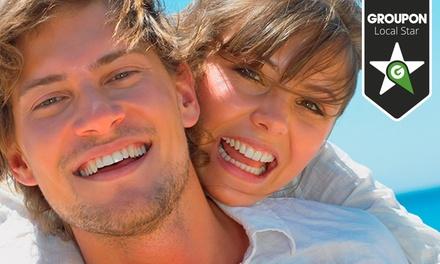 MaxFac — Av. da Liberdade: limpeza dentária com destartarização e branqueamento LED para uma ou duas pessoas desde 49€
