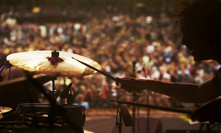 להקת AC/DC בפראג: חבילת נופש הכוללת טיסות, כרטיס להופעה ו-3/4 לילות במלון לבחירה ע