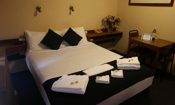 Katoomba town centre motel in katoomba nsw groupon for 12 in 1 game table groupon