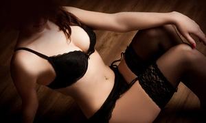 Janusch Fotodesign: 90 Minuten Erotik-Fotoshooting inkl. Outfitwechseln, 1 Bild als Datei und Ausdruck bei Janusch Fotodesign ab 24,90 €