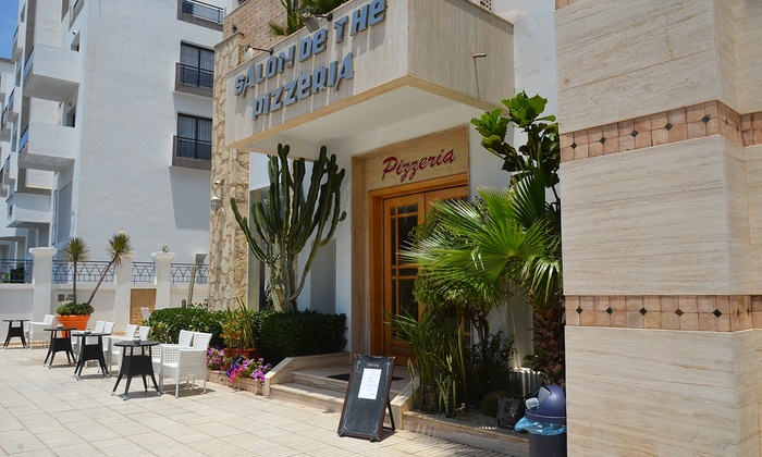 Golden beach appart h tel agadir agadir groupon getaways for Appart hotel paris 5 personnes