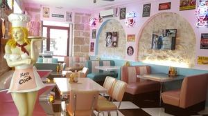 50's Happy Diner: Burgers, hot-dogs ou bagels, accompagnés de milk-shakes, pour 2 personnes, dès 22,90 € au restaurant 50's Happy Diner