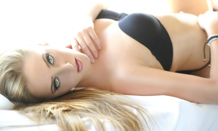 "Haskell St. Paul - St. Catharines: C$69 for a One-Hour Holiday Boudoir Photo Shoot with 8""x12"" Print and Digital Images from Haskell St. Paul (C$425 Value)"