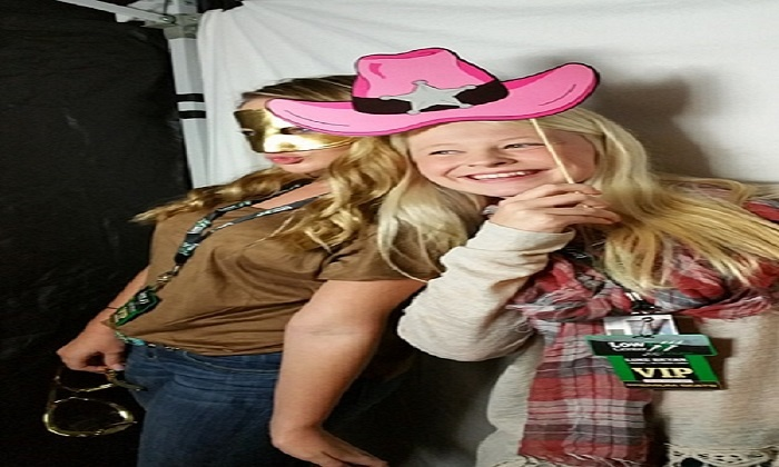 Photo Booth Paparazzi - Dallas: $440 for $800 Worth of Photo-Booth Rental — Photo Booth Paparazzi LLC