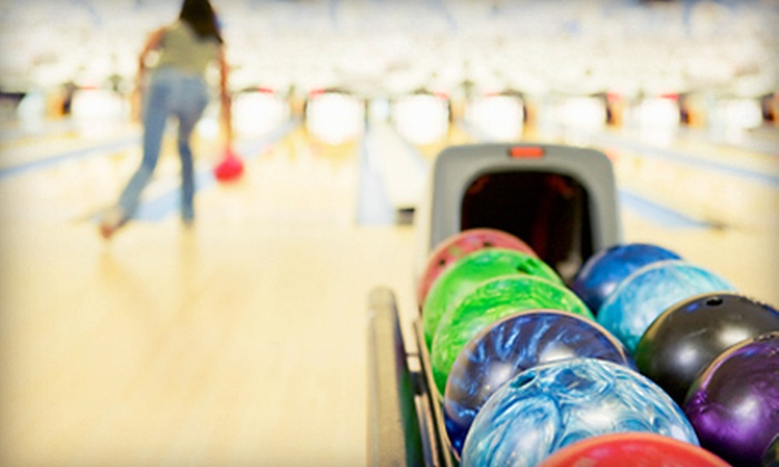 Junction Lanes Family Entertainment Center - Newnan: $29 for Bowling Package for Up to Five at Junction Lanes Family Entertainment Center (Up to $90.93 Value)