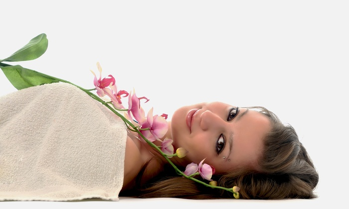 Precision Laser Spa - Ottawa: $99 for a Carbon Spectra Peel with Spectrum Skin Analysis and Relaxation Massage at Precision Laser Spa ($380 Value)