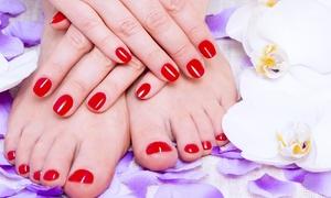 ELENA NAILS: 3 manicure e pedicure estetiche con smalto classico e semipermanente presso Elena Nails (sconto fino a 82%)