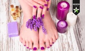 Centri Medici & Benessere: 3 o 5 manicure e pedicure con smalto classico o semipermanente(sconto fino a 83%)