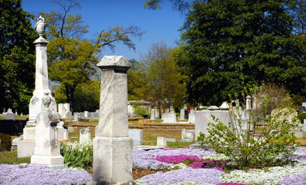 Guided Walking Tour for 2 People - Historic Oakland Cemetery in Atlanta