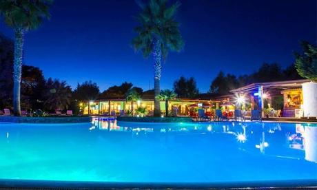 Vacanza Diamante: camera matrimoniale per 2 con pensione completa e servizio spiaggia al Villaggio Holiday Beach Diamante 4*