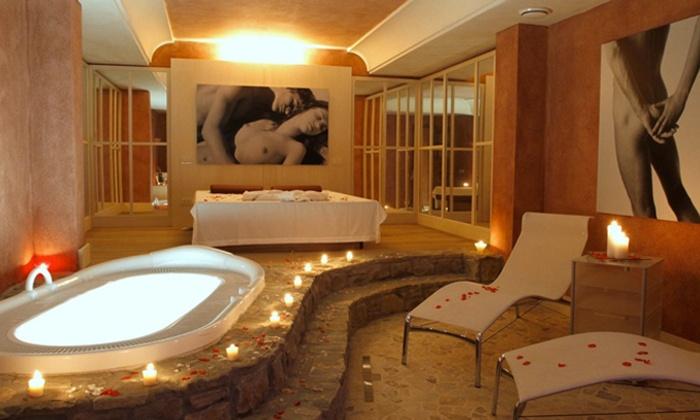 Chervò San Vigilio Spa - CHERVO' GOLF HOTEL SPA & RESORT San Vigilio: Percorso spa illimitato per 2 persone o in più cena di 4 portate da 49 € invece di 94