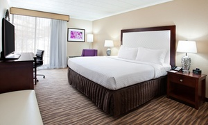 3-Star Top-Secret Pittsburgh Hotel: Stay with Drink Vouchers at 3-Star Top-Secret Pittsburgh Hotel; Dates into January