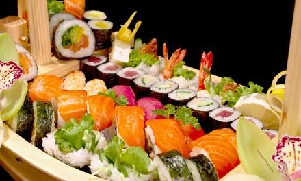Menu en 3 services avec bateau de sushis pour 1, 2 ou 4 personnes dès 19 € chez Saki Sushi au cœur de Louvain