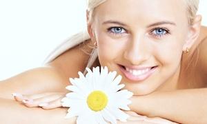 Centrum Estetyki Ciała: Upiększanie i relaks: pakiet zabiegów na twarz, ciało i dłonie od 129,99 zł w Centrum Estetyki Ciała