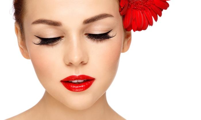 JJ Eyelashes - Soho: Eyelash Extensions with 80 or 100 Lashes Per Eye at JJ Eyelashes (Up to 51% Off)