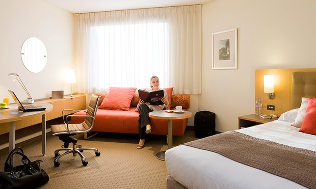 Darling Harbour: 4.5* Mystery Stay 3