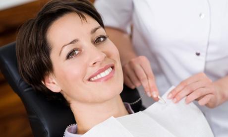 Limpieza bucal completa con opción a curetaje en una o dos arcadas desde 12,90€ en Dentamax