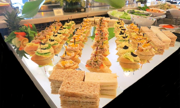 The coffee house impiana hotel ipoh ipoh deal of the day for Canape buffet menus