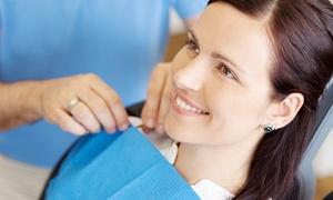 Dental Express Uno: Visita odontoiatrica con pulizia dei denti, otturazione estetica e sbiancamento LED