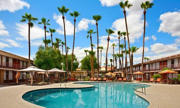 Days Hotel Scottsdale - Scottsdale, AZ: Stay with Optional Dining Credit at Days Hotel Scottsdale in Scottsdale, AZ