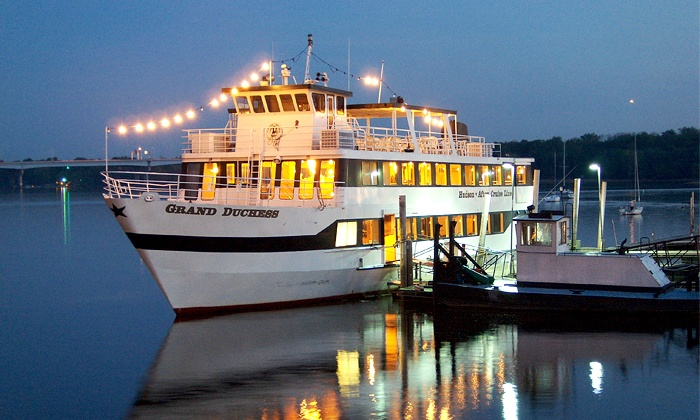 Afton-Hudson Cruise Lines - Multiple Locations: $21 for a Fall Colors Fajita & Margarita Dinner Cruise from Afton-Hudson Cruise Lines (Up to $42 Value)