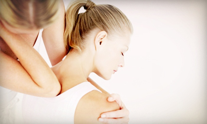 North Loop Chiropractic - The Loop: $44.99 for a Chiropractic Consultation and 60-Minute Massage at North Loop Chiropractic ($150 Value)