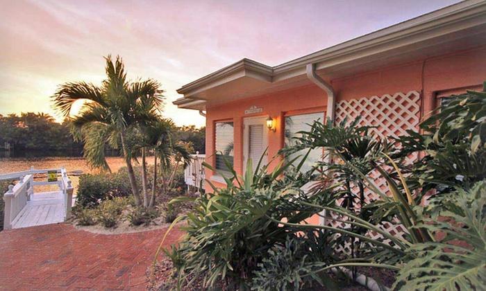 Siesta Key Bungalows - Siesta Key, FL: 2-, 3-, or 5-Night Stay at Siesta Key Bungalows in Siesta Key, FL