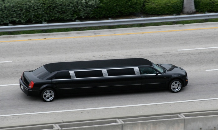 ETS Limos - Atlanta: One-Way or Round-Trip Transportation to and from Atlanta International Airport from ETS Limos (Up to 54% Off)